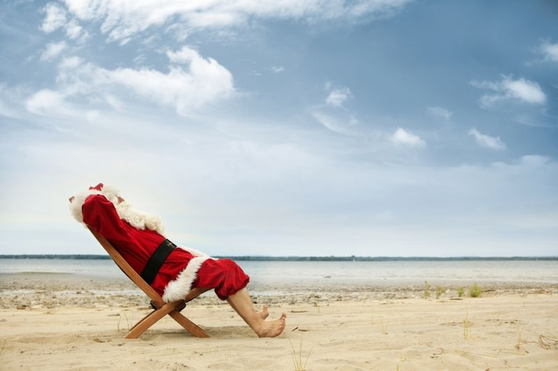 IStock_Santa on the beach (Dec'10)